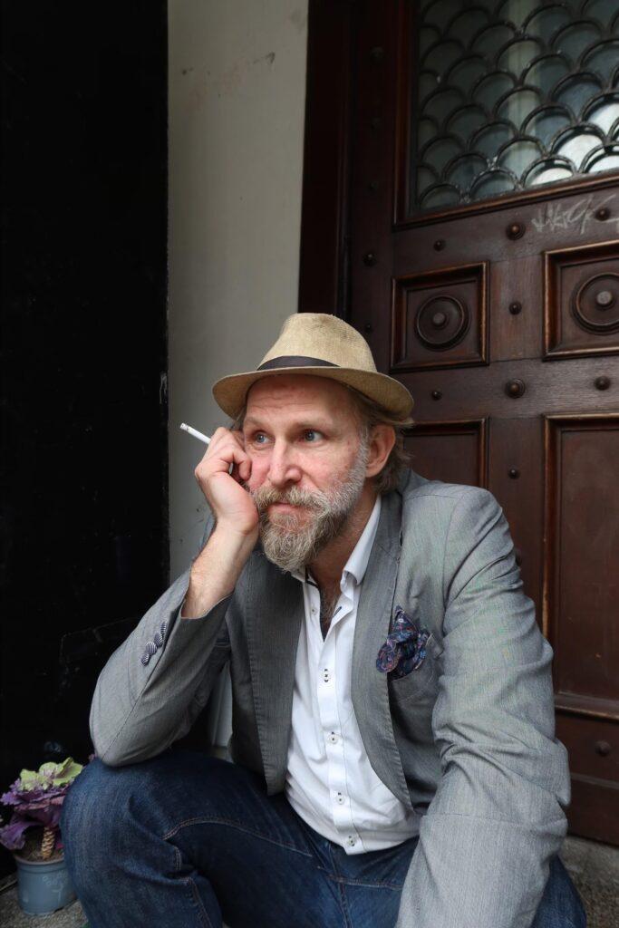Jacob Hallgren Afviklingsboss Kontakt: hallgren@literaturhaus.dk